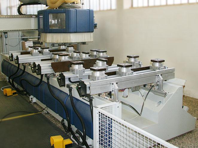 macchinario per mobili su misura brianza